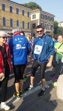 Pettenon Cosmetics prosegue la corsa di solidarietà a favore delle donne vittime di violenza: l'AD Federico Pegorin runner alla Padova Marathon per Casa Viola